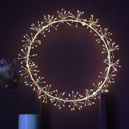 Starburst Wreath - Mains