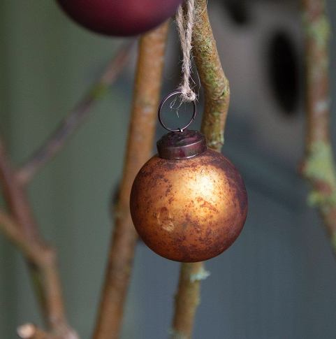 Old Gold Bauble