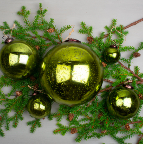 Etched Snowflake Green Bauble